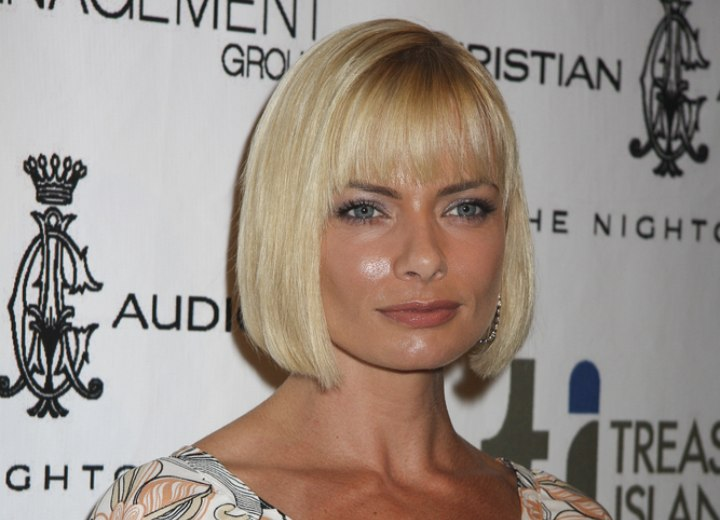 Jaime Pressly with much shorter hair