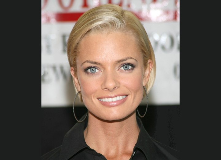 Jaime Pressly wearing her hair short and off her face