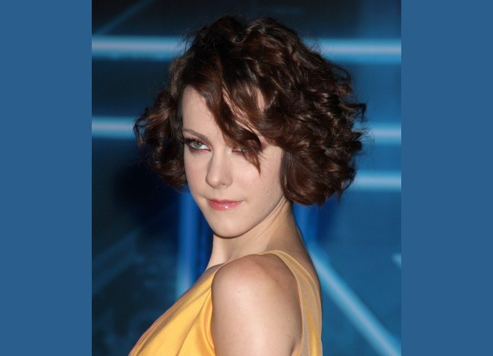 Jena Malone with short curled hair