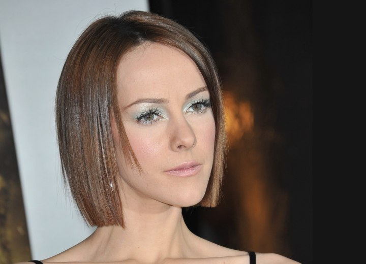 Jena Malone with flattened medium length hair