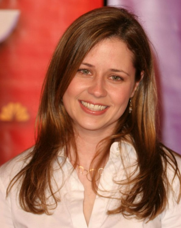 Jenna Fischer S Long Straight Hair Styled For An