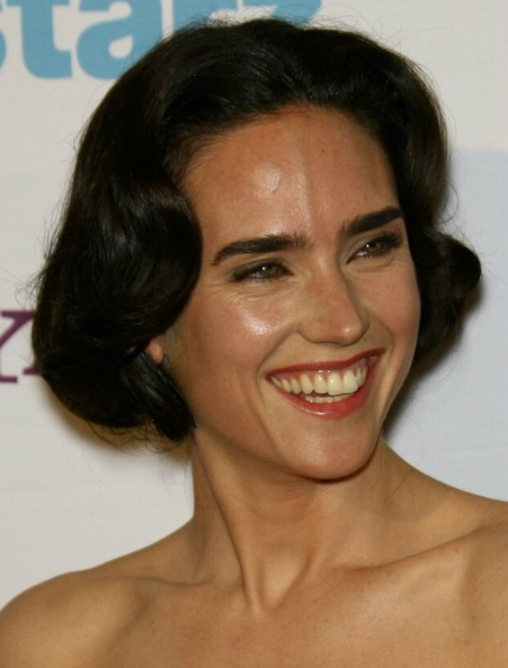 Jennifer Connelly Wearing Her Hair In A Short 1920s Inspired Style