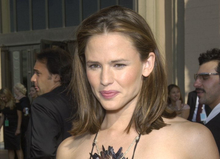 Side and back view of Jennifer Garner's hair