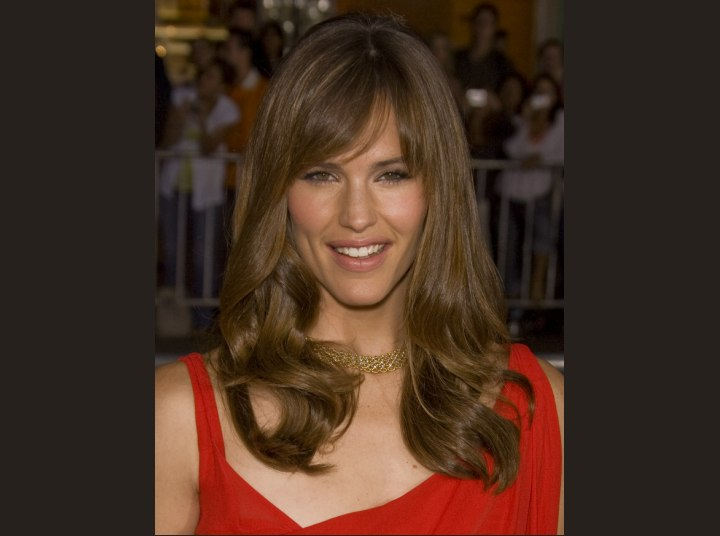 Jennifer Garner with walnut brown colored hair