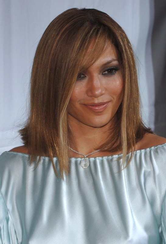 Jennifer Lopez Wearing Blunt Cut Medium Length Hair With