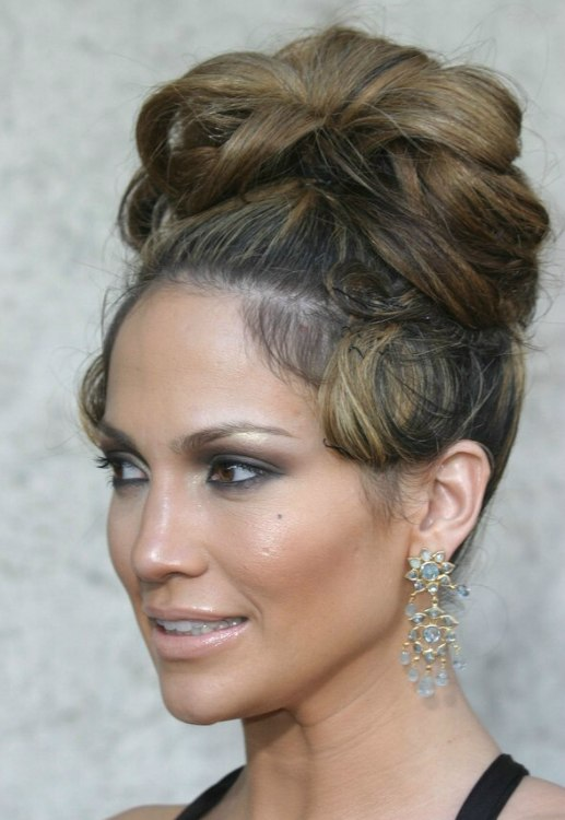 Astonishing Jennifer Lopez With Her Hair In A High Updo With Curls Short Hairstyles Gunalazisus