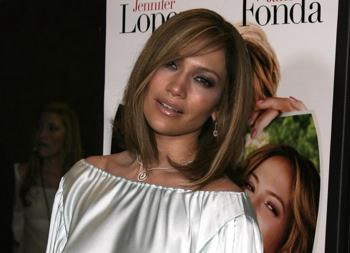 Jennifer Lopez hair cut in a bob