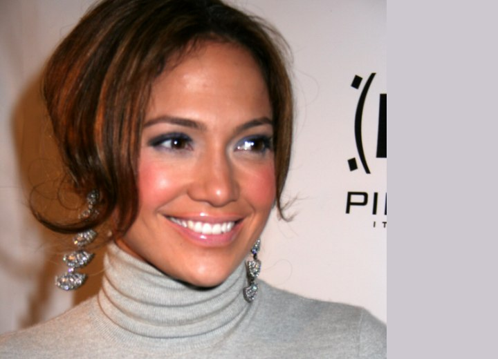 Jennifer Lopez hair colors with reds and browns