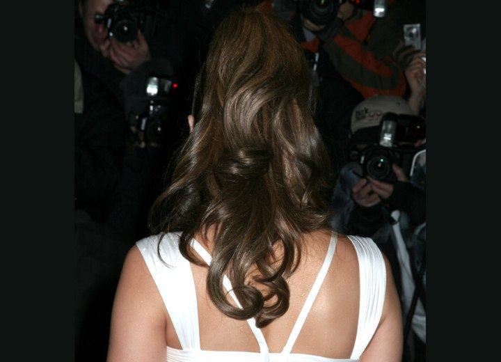 Back view of Jennifer Lopez hairstyle