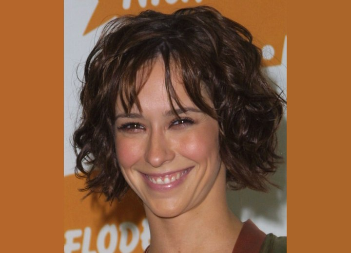 Jennifer Love Hewitt's short bed head hairstyle