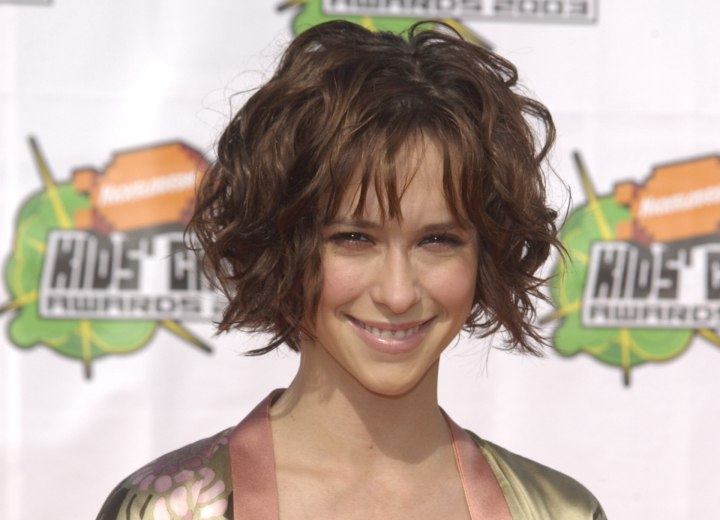 Jennifer Love Hewitt's short hair with a jagged partition