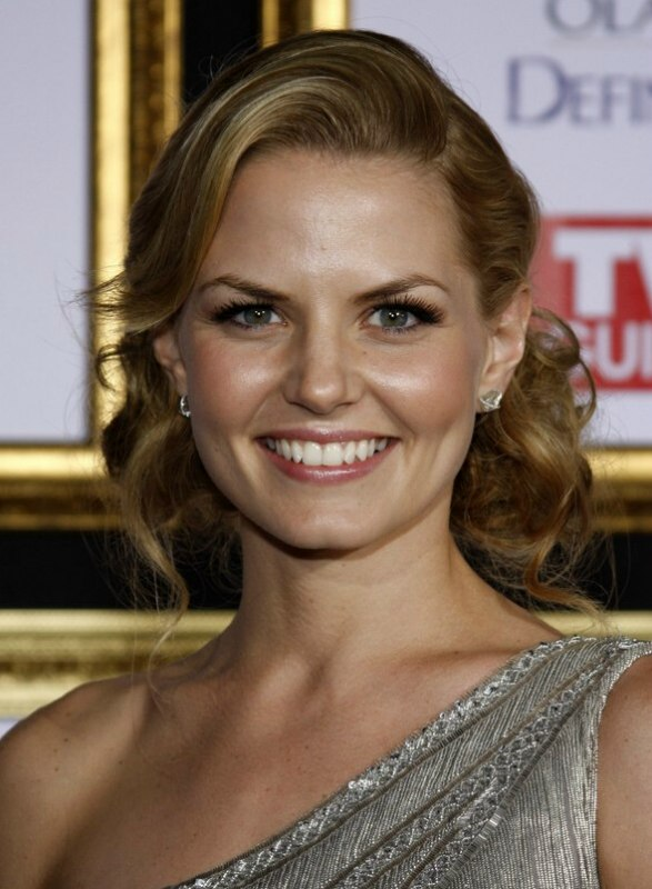 Jennifer Morrison S Hairstyle With Curls And A Wave In The