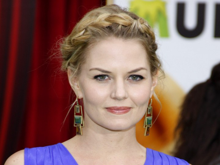 Jennifer Morrison's hair styled for a peasant look