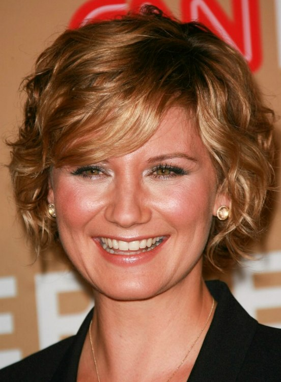 Jennifer Nettles Short Layered Haircut Spiral Curls