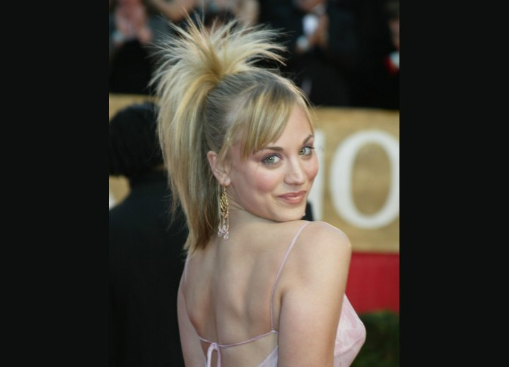 Ponytail dressed up for an evening - Kaley Cuoco