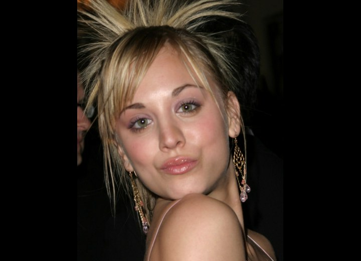 Hair with carefree split bangs - Kaley Cuoco