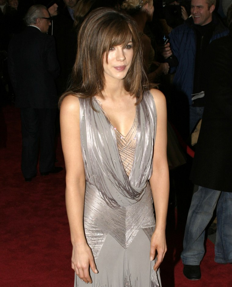 Kate Beckinsale Without Hair Extensions Kate Beckinsale wearin...