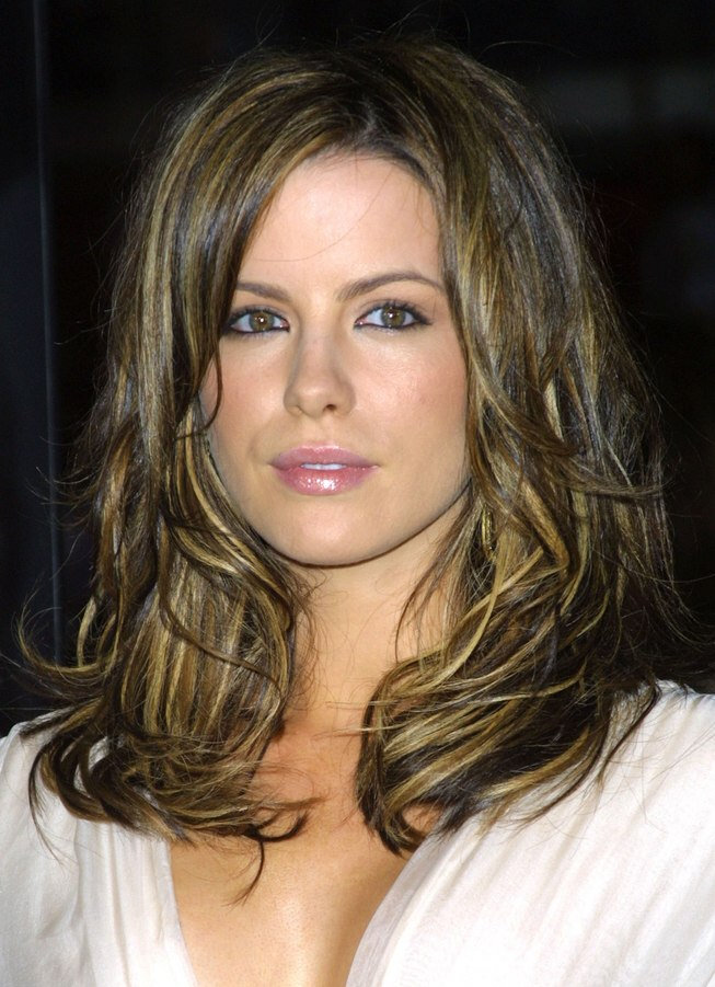 Kate Beckinsale S Tousled Hair With Multiple Colors