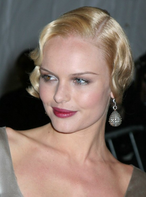 Kate Bosworth Misha Barton Thirty S Hairstyle With