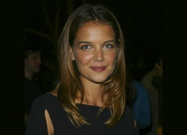 Katie Holmes youthful and dynamic hairstyle