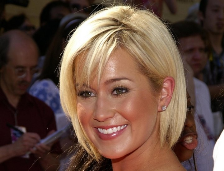 Kellie Pickler's easy to maintain short hairstyle