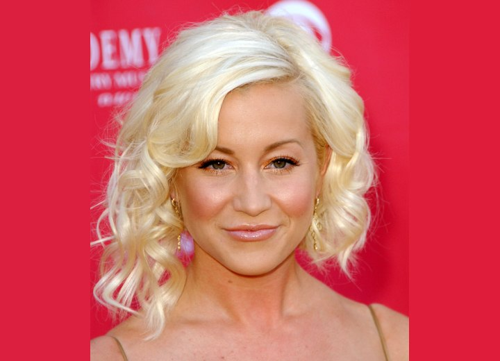 Kellie Pickler's hair cut with different lengths left and right