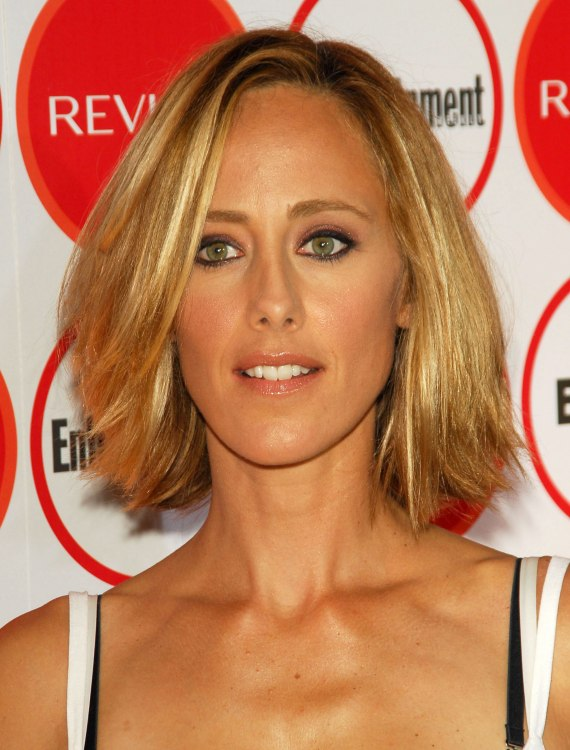 Kim Raver S Hair In A Fringy Bob To Accentuate Her