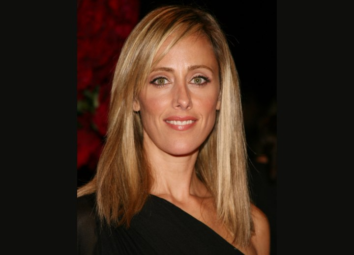 Simple refined hairstyle - Kim Raver
