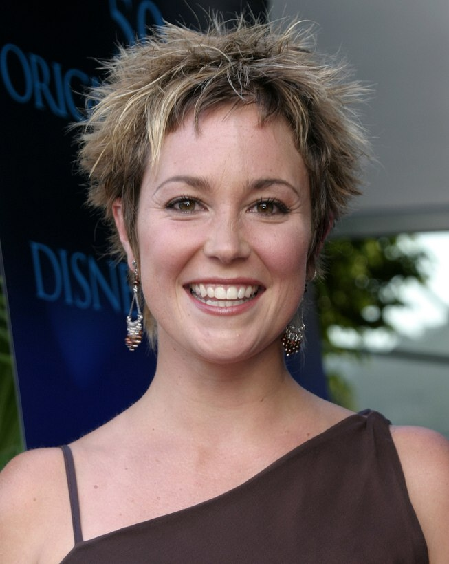 Kim Rhodes Short Chopped Hair Pixie