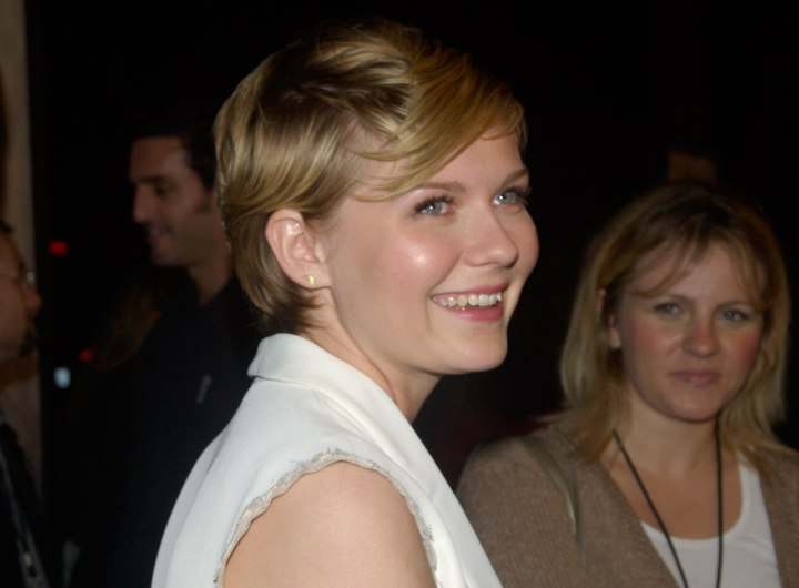 Kirsten Dunst with her hair in a pixie
