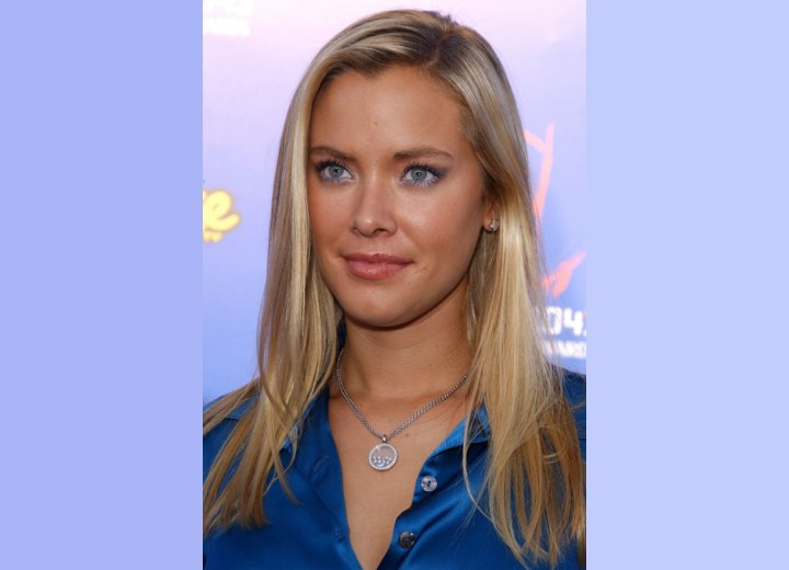Kristanna Loken's hair for a fresh and youthful look
