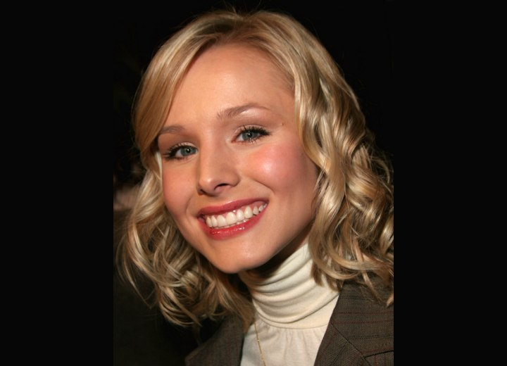 Kristen Bell - Medium hairstyle with curls