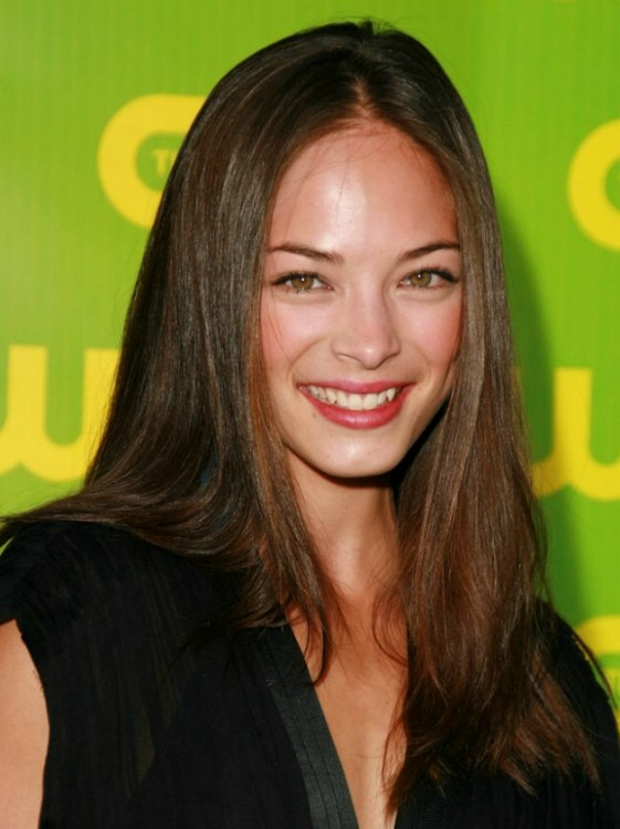 Kristin Kreuk S Long Chocolate Brown Hair Styled With
