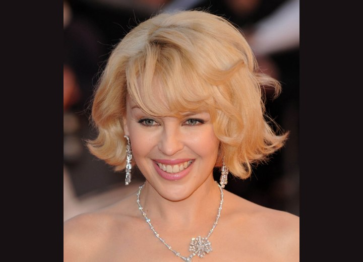 Glamorous short hairstyle for blonde hair - Kylie Minogue
