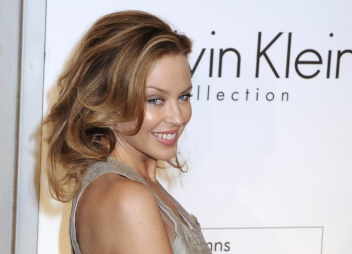Kylie Minogue's hair with long layers