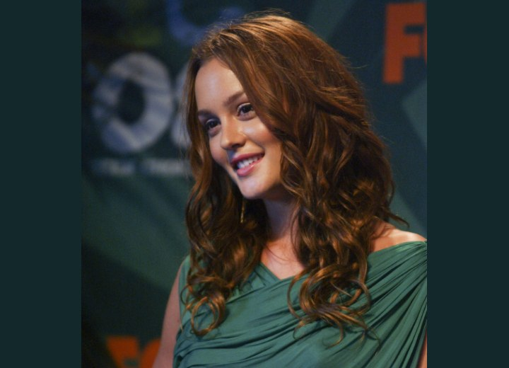 Leighton Meester wearing her hair long with ringlets