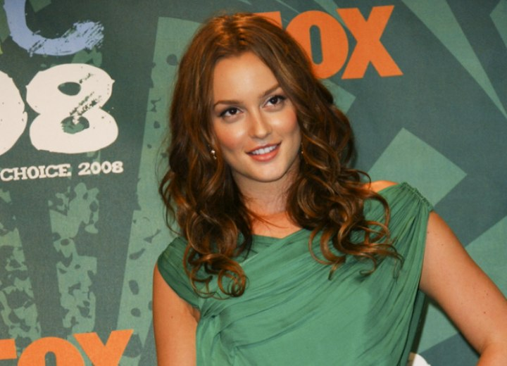 Leighton Meester - Curled hair with a natural flow