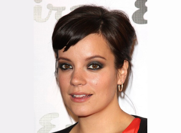 Lily Allen's fake short hair look