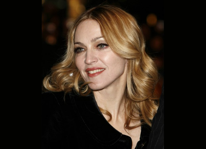 Long hair with curls - Madonna