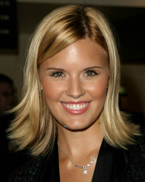 Maggie Grace With Her Hair Cut In A Long Bob With The Ends