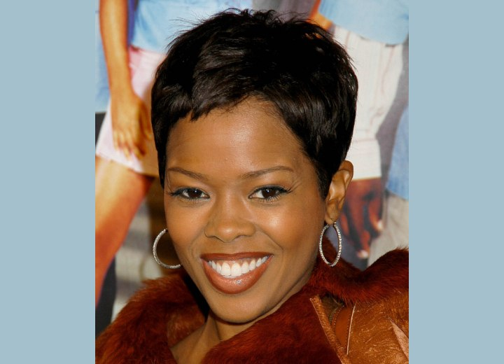 Very short hairstyle for black hair - Malinda Williams