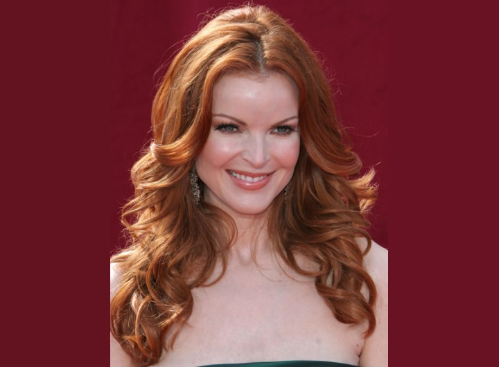 Wavy red hairstyle for long hair - Marcia Cross