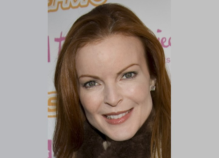 Photo of Marcia Cross hairline