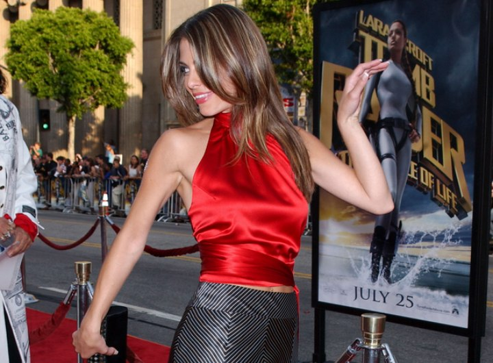 Hair, silk top and skirt for a Maria Menounos look