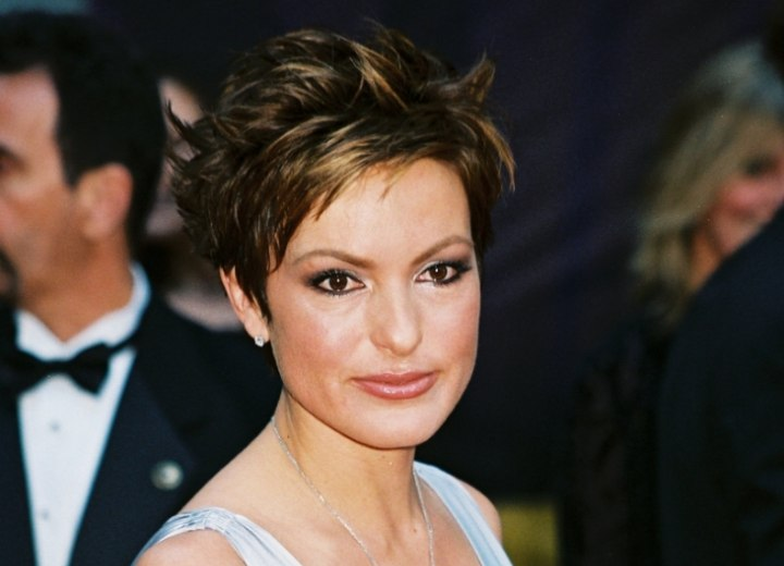 Mariska Hargitay - SHort and choppy haircut