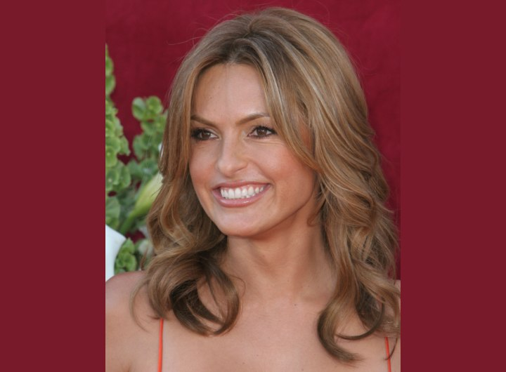 Long hairstyles for 40 plus women - Mariska Hargitay