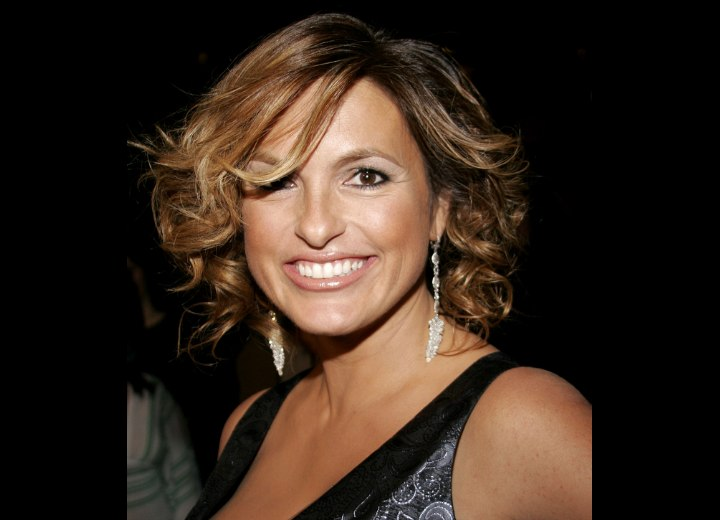 Mariska Hargitay's hair with curls on the ends