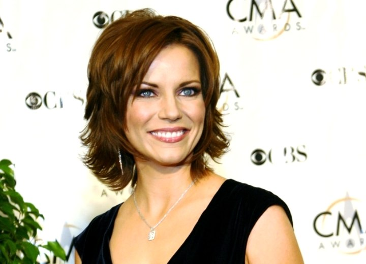 Quick and easy hairstyle with layers - Martina McBride