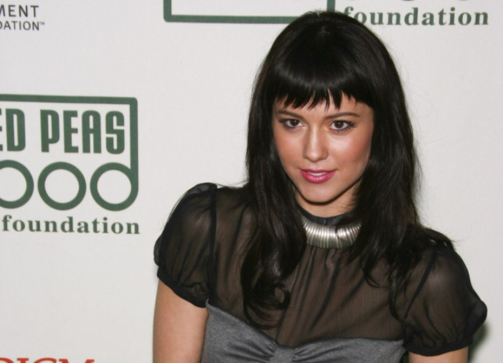 Mary Elizabeth Winstead look with a see through top