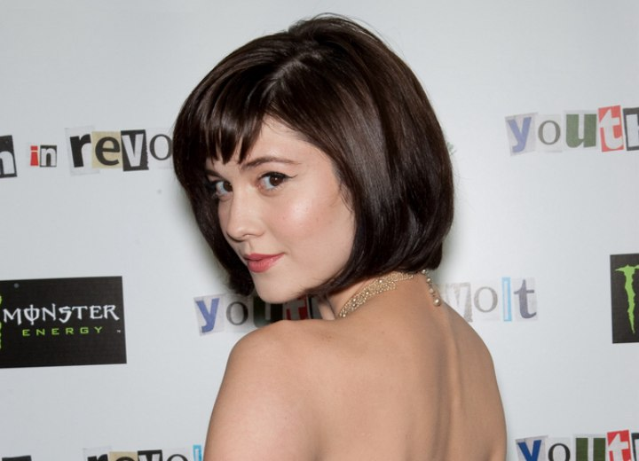 Mary Elizabeth Winstead - Inverted bob haircut with bangs